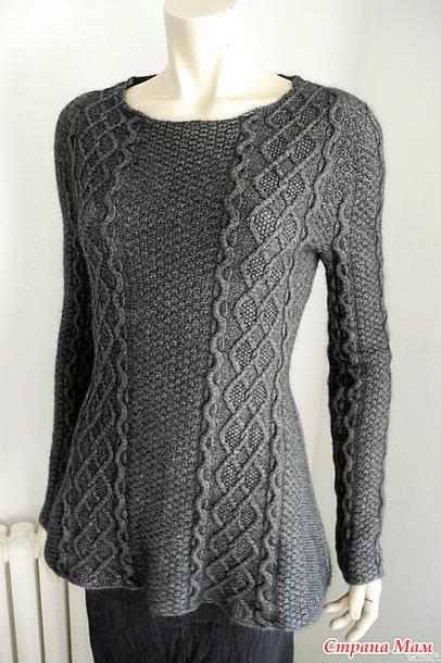 Пуловер, связанный по кругу от горловины. Спицы.