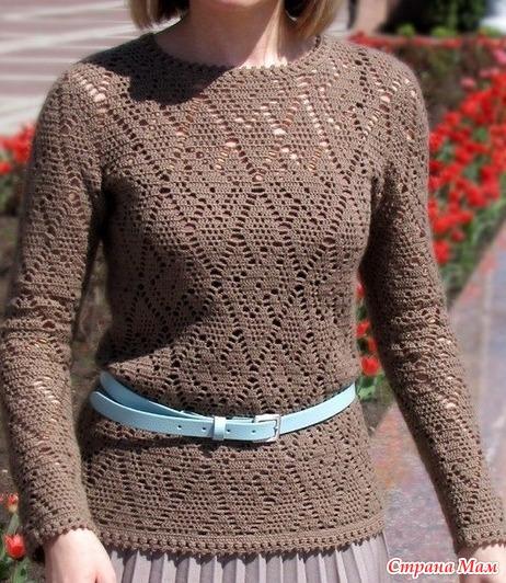 . Пуловер ажурными ромбами