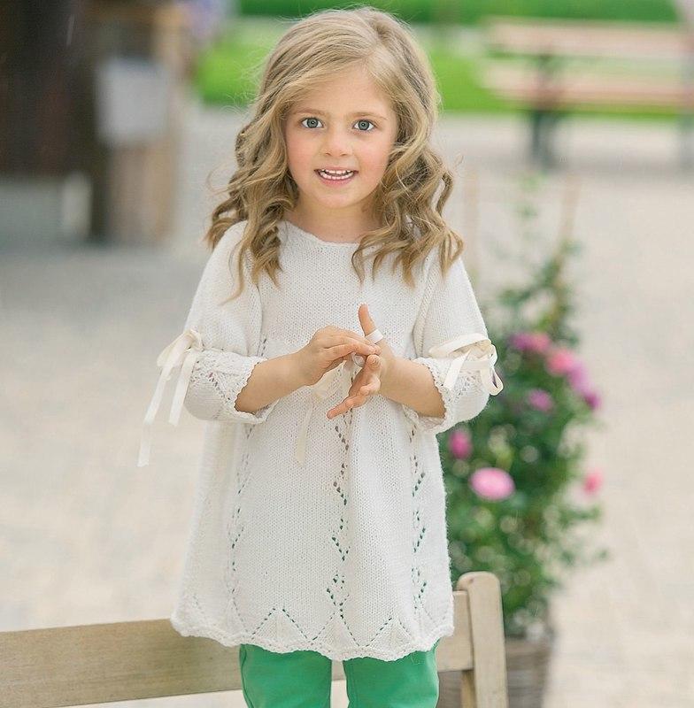 Белые вязанные платья для девочек