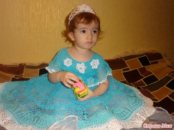 Розочка/ Льдинка/ Снежинка моя (праздничное платье крючком), или Ода доченьке на День Рождения.