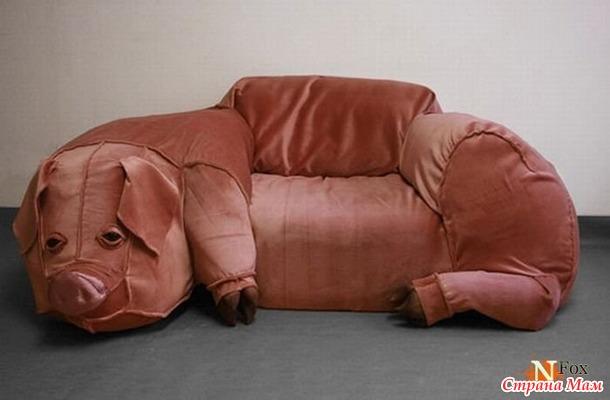 две страшные на диване фото
