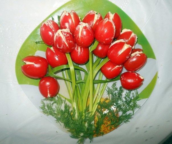 простые салаты фото тюльпаны