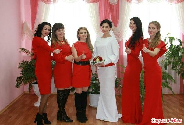 Красные платье подружки невесты фото