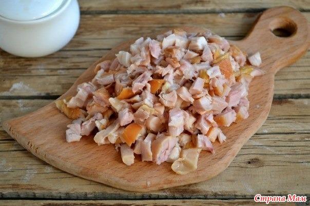 Рецепт салата из копченой курицы с корейской морковью и кукурузой
