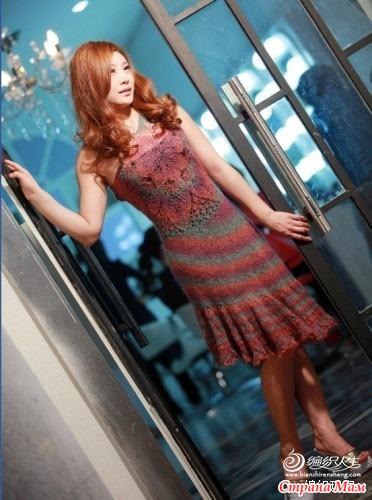 Оригинальное платье.