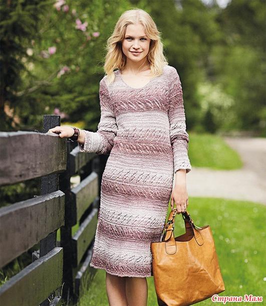 Платье спицами из принтовой пряжи Bella batik.