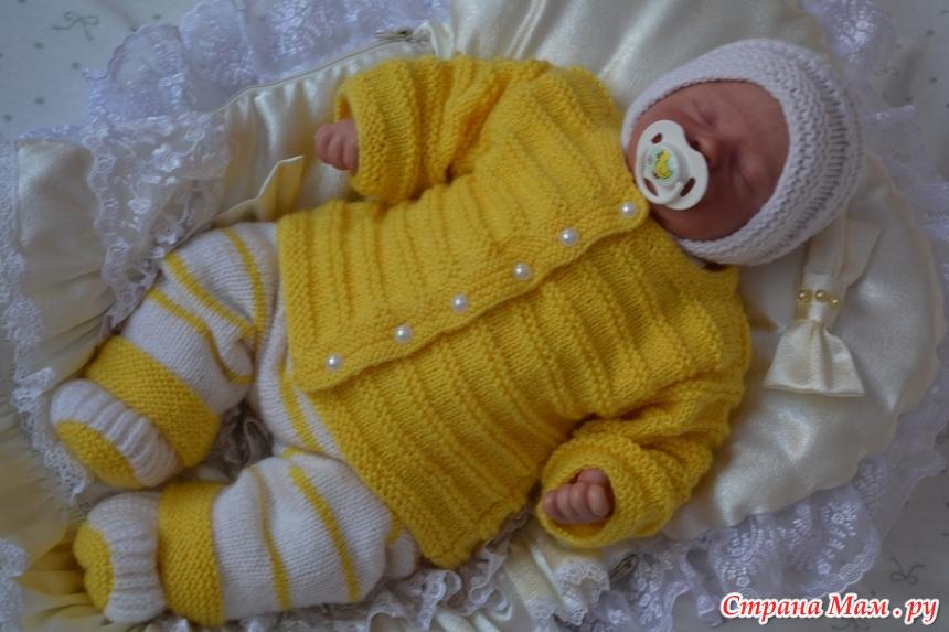 Связать комплект для новорожденного спицами видео