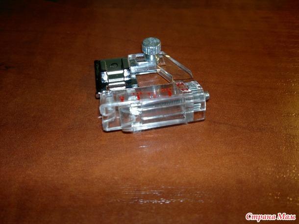 Лапка и иглы для швейной машинки+