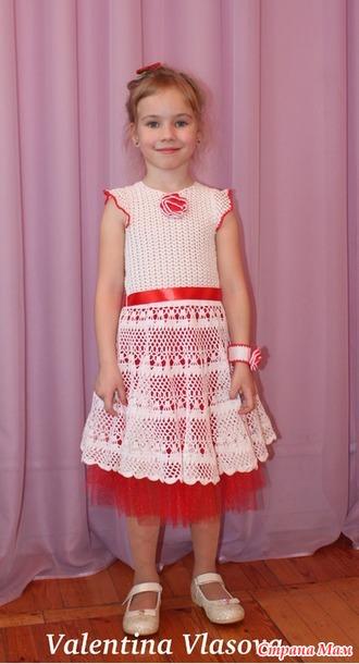 Платье с розой связать
