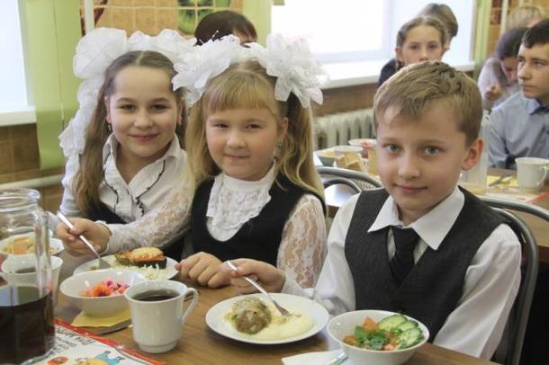 Школьные столовые очистят от нечестных поставщиков