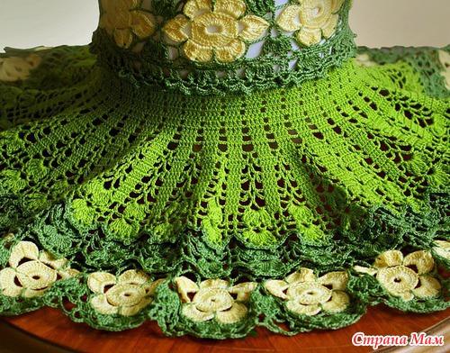 Зеленое цветочное платье