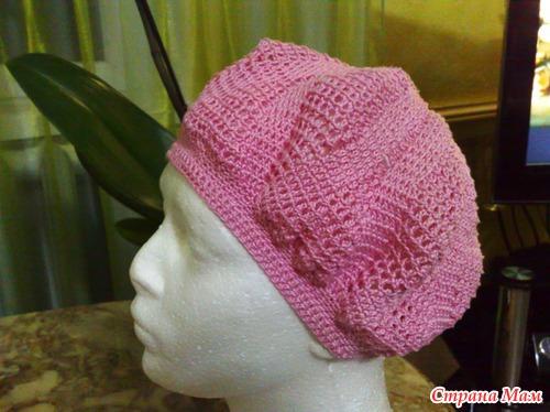 Розовый беретик.