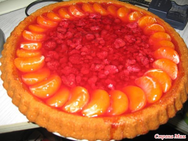 Пирог с желе и фруктами. Готовиться очень быстро. И вкусно.