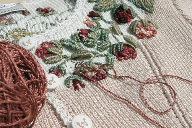 Вышивка по трикотажу и вязанному полотну, рококо, деревенские кофточки - Страна Мам