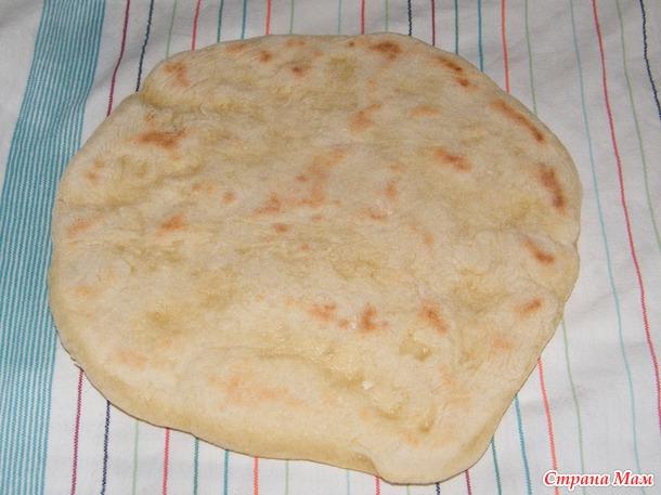 Хлебные лепешки на сковородке