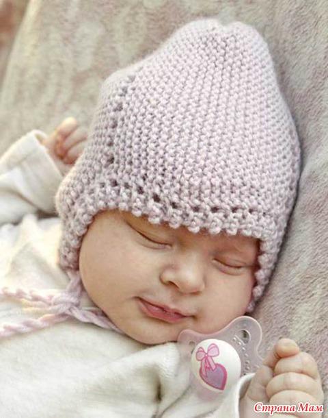 Нежная шапочка «Lullaby» от Drops Design вязаная спицами.