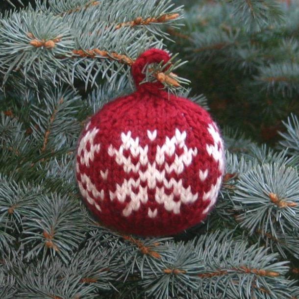 Шарик на елку с орнаментом