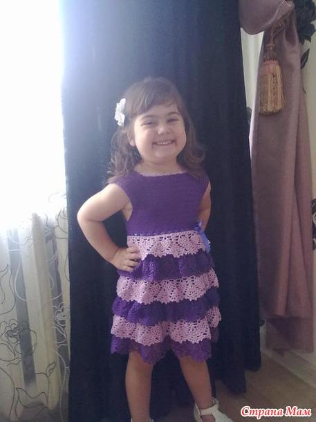 Платье с рюшками