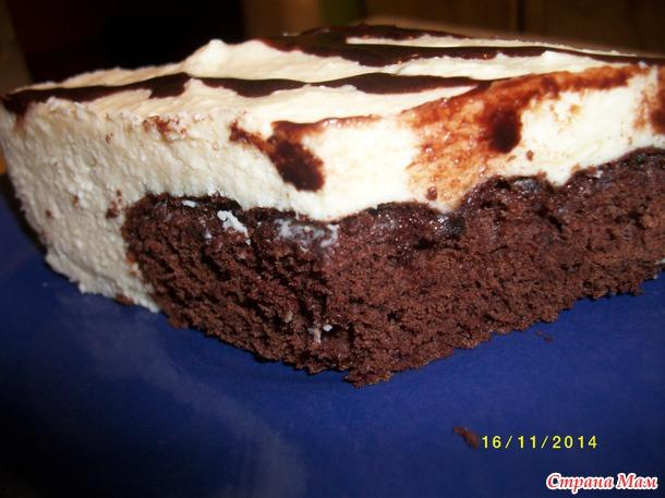 Шоколадный бисквит с творожным суфле