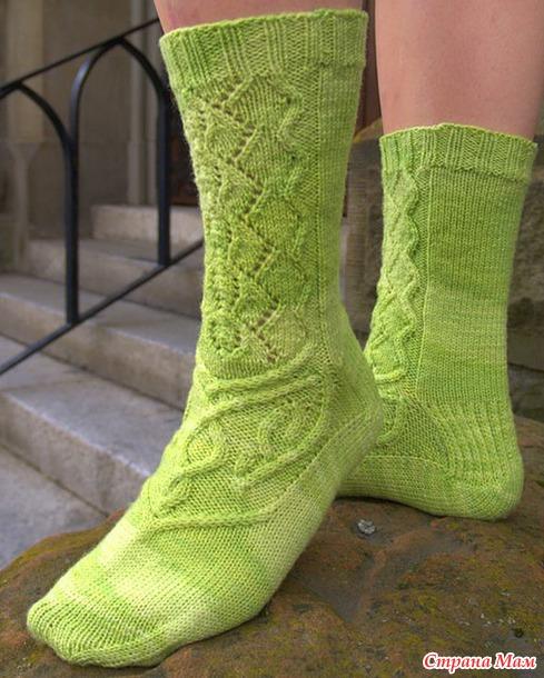 Вяжем вместе носочки Absinthe дизайнера Sara Morris