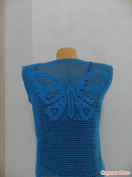 Ярко-голубой топ, филейная техника