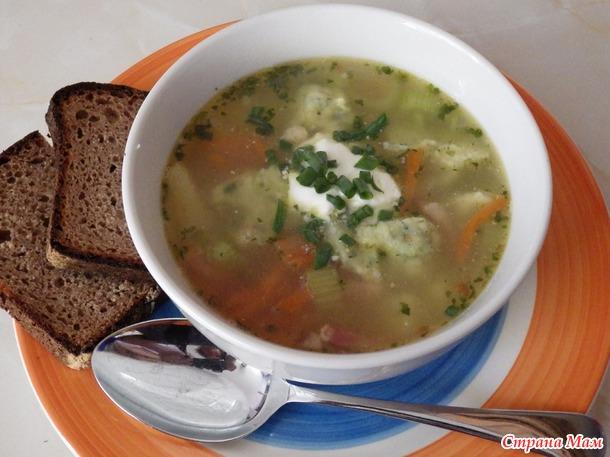Д339. Быстрый суп с чесночными галушками.