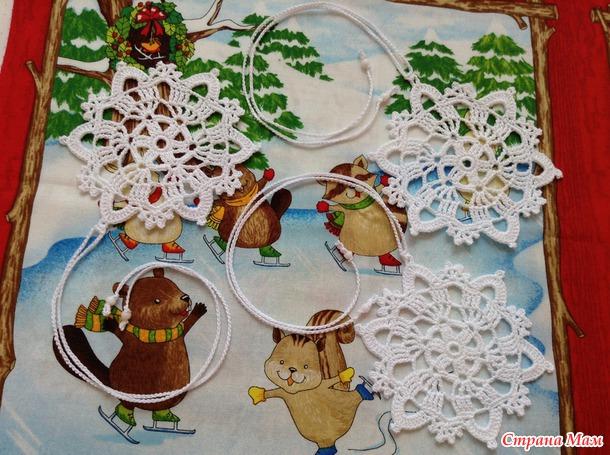 Мои новогодние снежинки и новогодняя гирлянда! Схема вязания и советы)
