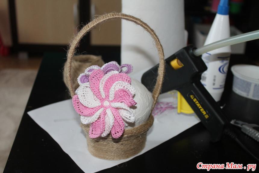 корзина вязаных цветов на 8 марта мини мк поделки страна мам