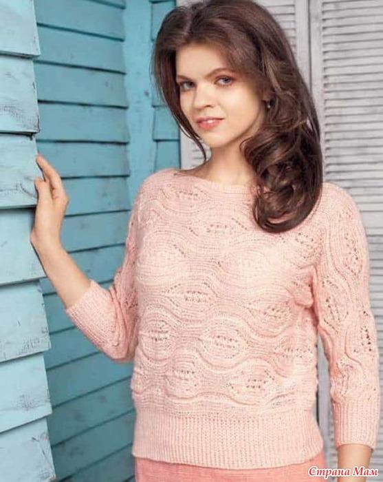 fba71c8668d Розовый ажурный пуловер связанный поперек — схема и описание вязания ...