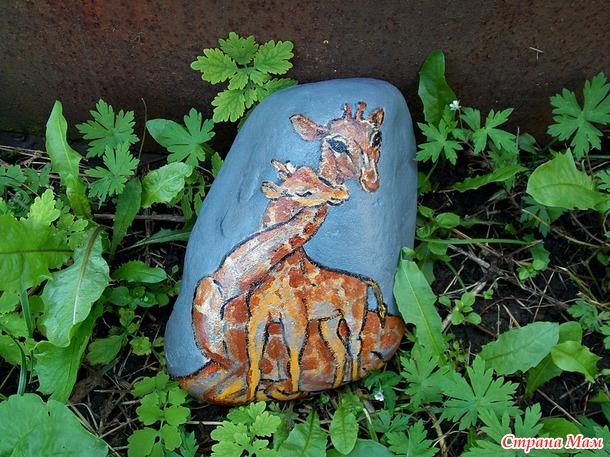 Рисую на камнях)))