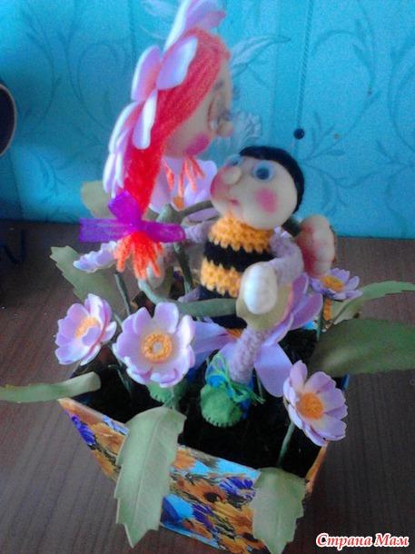 Ромашка и пчелка