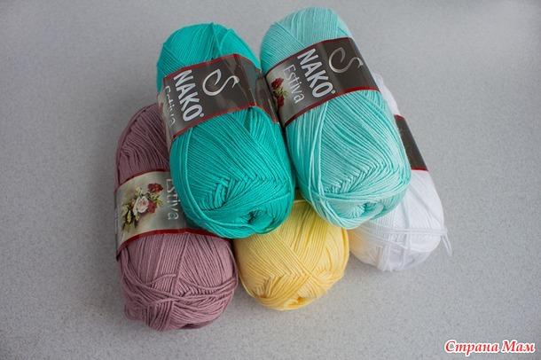 Вяжем ажурный цветной песочник крючком