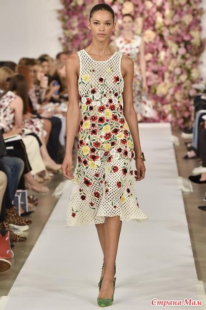 опрос на онлайн платье по мотивам модели оскара де ла рента