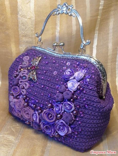 И снова сумочка  с пришивным фермуаром.