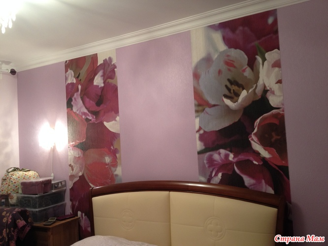 Одна стена с цветами другая однотонная фото