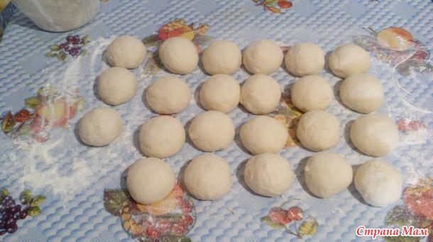 Пирожки из дрожжевого заварного теста.