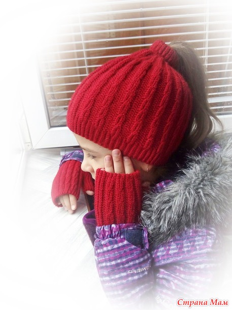 «Candy» комплект из шапки с отверстием для хвоста и митенок
