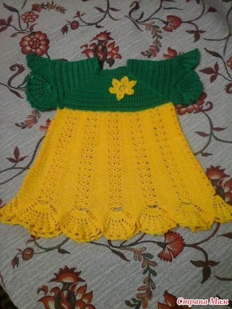Платье крючком для крошки внучки