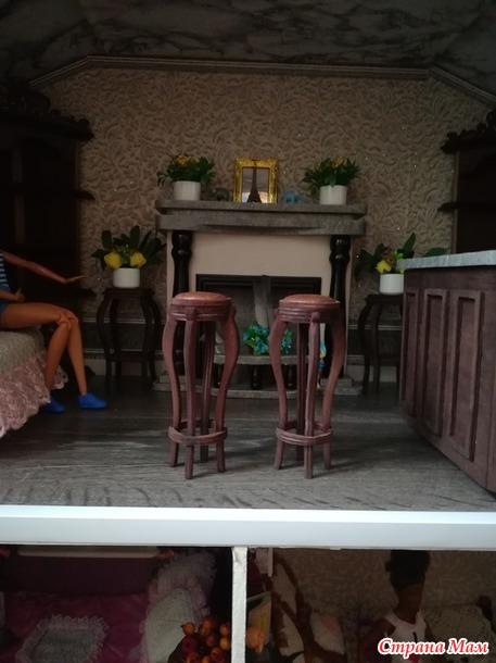 Бар для кукольного домика