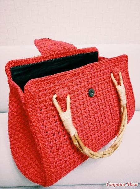 . Женская сумка крючком