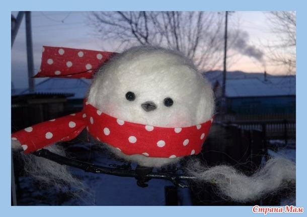 Мастерим из пенопластового шарика декор на окно. Птичка «Снежка»