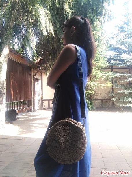 Связалась модная сумочка.