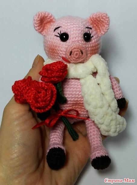 Свинка с букетиком