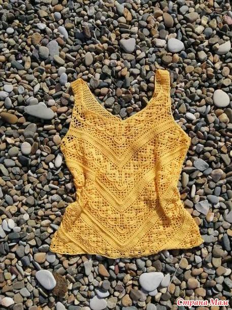 Жёлтый март. Жёлтая пляжная маечка