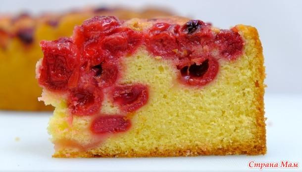 Простой пирог с вишней или другими ягодами! Мягкий, ароматный и очень нежный пирог!