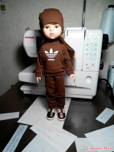 Очередная куча вещей для кукол.