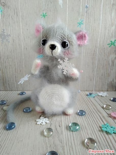 Мышонок, который первый раз увидел снег. Конкурс красоты.