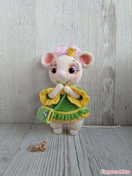 Мышка в платье