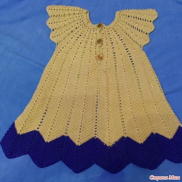 Детское платье на 3-4 года с круглой кокеткой