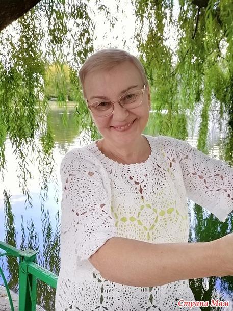 """Джемпер  """"Снежная Королева"""", связанный мотивами крючком"""